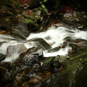 U Nýznerovských vodopádů