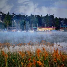 Loděnice na Máchově jezeře