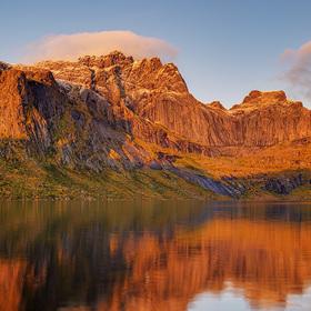 Lake Storvatnet - Lofoty