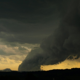 Před bouří...