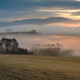 Mlhavé ráno v Beskydech