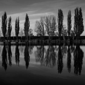 Vodné zrkadlo