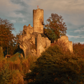 hrad Frýdštejn podzim