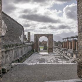 Zamraceny den v Pompejich