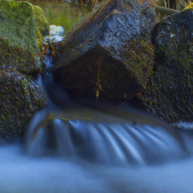 potůček mezi rybníky