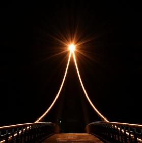 Světlo na konci mostu