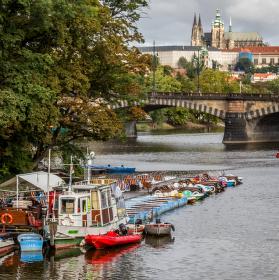Pražský pohled na řeku II