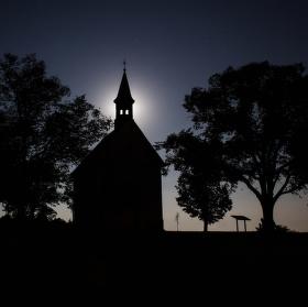 Noční siluetna