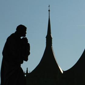 Siluety  svaté Barbory v Kutné Hoře