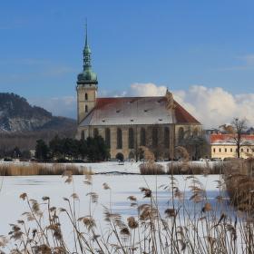 Kostel Nanebevzetí p. Marie v Mostě