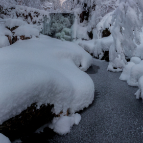 Zima na červeném potoce