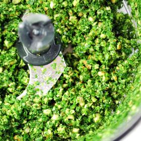 Pesto v procesu