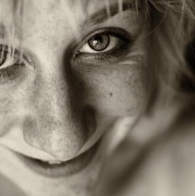 Autoportrét s 50tkou