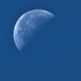 Měsíc ve dne