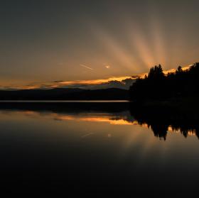Západ slunce nad Lipenskou přehradou