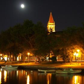 noční Trogir