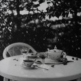 """,,snídaně v dešti"""""""