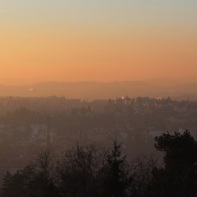 Smog a západ slunce v Brně...