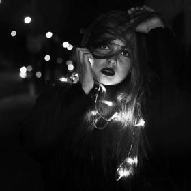 V objetí světel