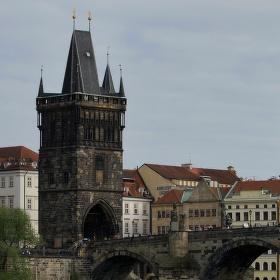Pohled k Mostecké věži