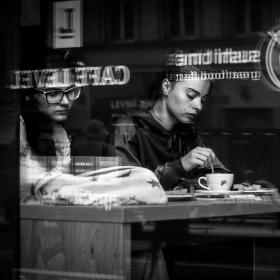 U kávy