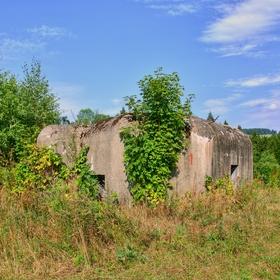 malý bunkr, součást pohraničního opevnění nad Starým Městem (okr. Šumperk)