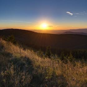 Západ slunce nedaleko Mravenečníku