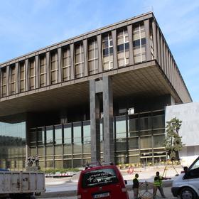 Momentka z Prahy - Od opravovaného muzea