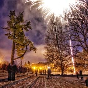 Silvestrovský ohňostroj v zámeckém parku