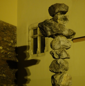 Kamenná socha