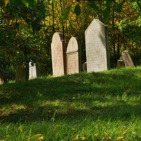 ...židovský hřbitov...