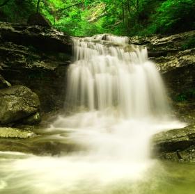 Vodopád v rakouském Walchsee
