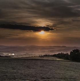 Západ slunce na Zvičině