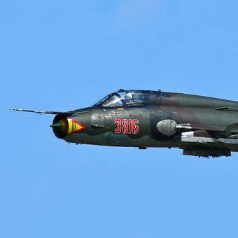 """Nadzvukový bojový letoun Su-22M4, """"Fitter-K""""."""