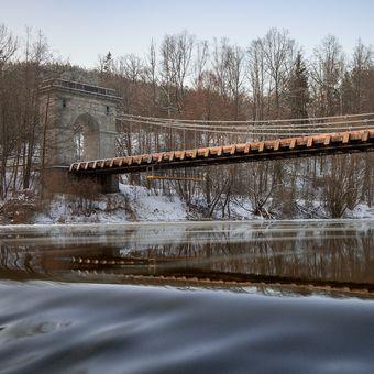 řetězový most přes Lužnici