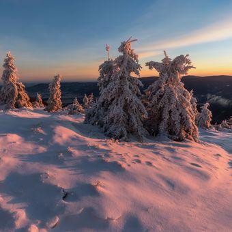 Ranní světlo na horách
