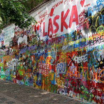 Lenonova zeď