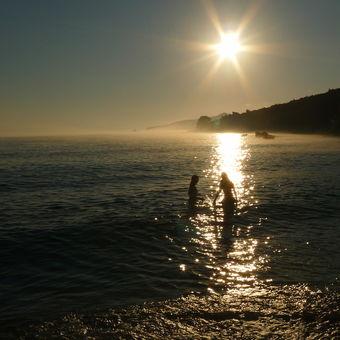 Sirael - utkána z mlhy a paprsků slunce