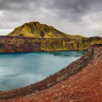 Island - jezero Bláhylur - kráter Hnausapollur