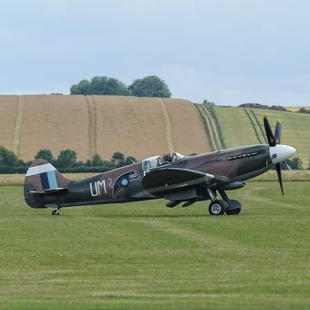 Spitfire Mk.XIX UM/E