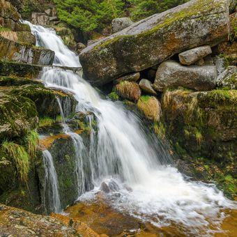 Jarní vodopád na Jedlové
