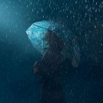 Světlo v dešti