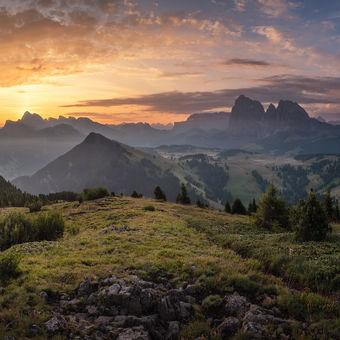 Svítání nad Alpe di Siusi