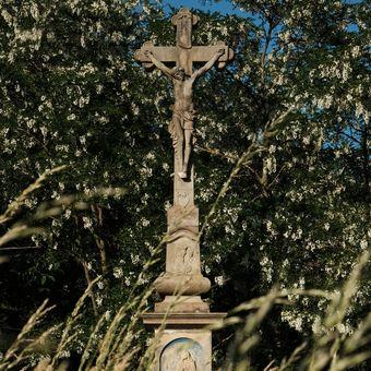 Pod Tvým křížem,Pane můj, sílu nalézám.