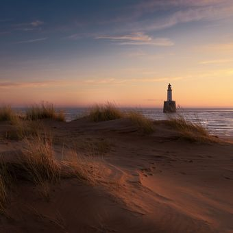 Sand & Lighthouse