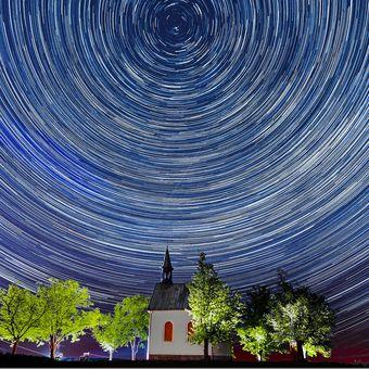Kaplička v Líšni