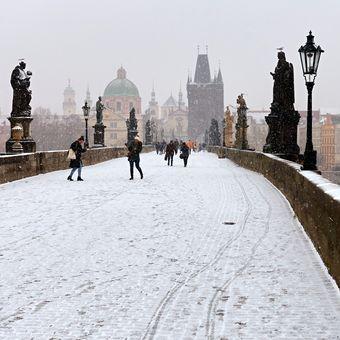 Praha posněžená IV