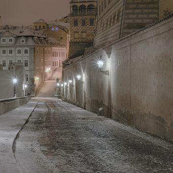 V ulici Ke Hradu