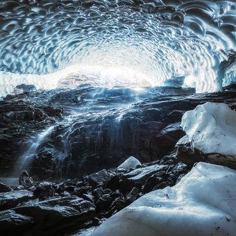 Vodopád v jeskyni