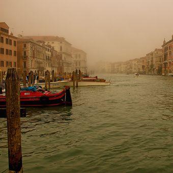 Mlhavé Benátky